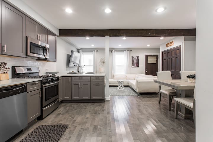 East Garfield Park new remodeled sharp 1 bedroom