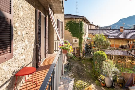 Historic village house easy access to everywhere