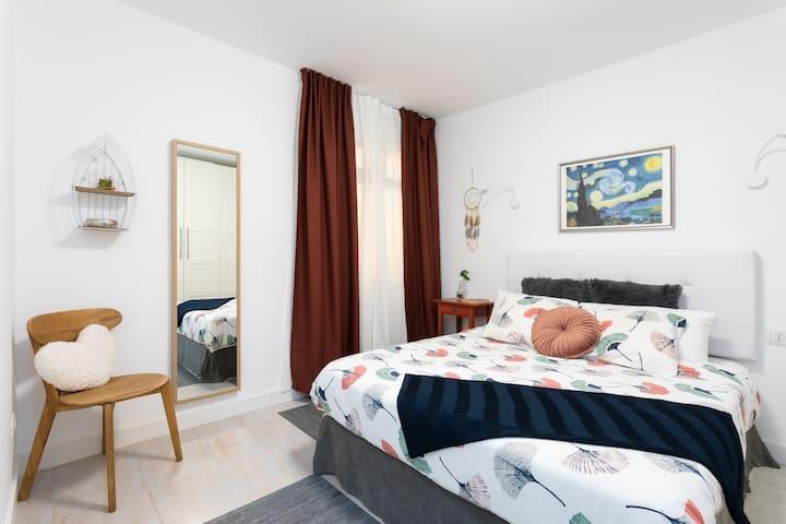 Dormitorio. Cama XL (150 cm)
