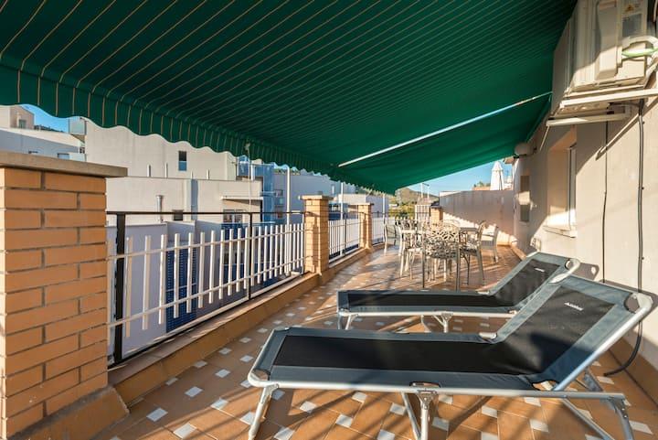 Floriane's bright penthouse & big terrace. 6 pax