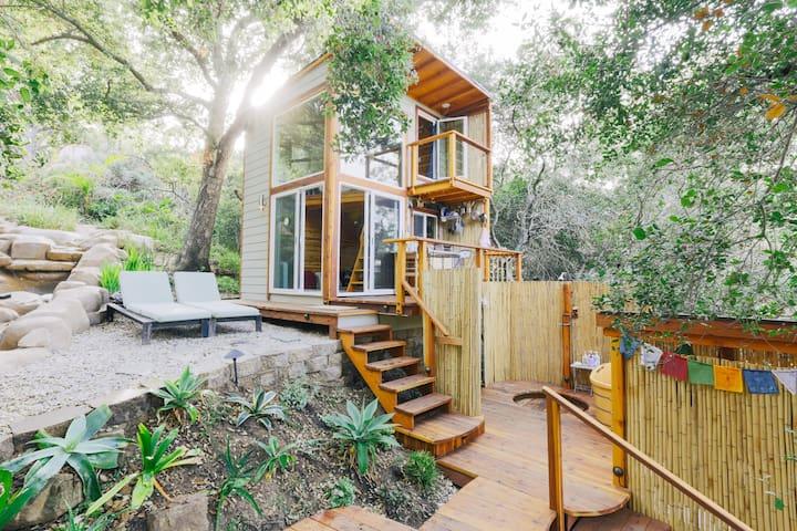 Shangrilala Tiny House Mountaintop Getaway Tiny Houses For Rent
