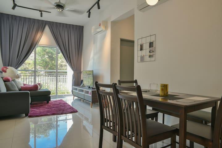 G2 Mesahill.A Comfy Home For You *Nearest to KLIA*