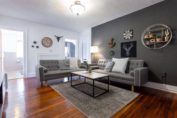 Miami Wynwood | Industrial Deco Apartment