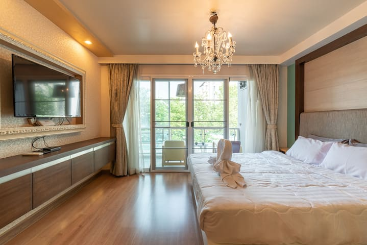 Romantic Room in Nimman Rd. Free WiFi/Pool/Gym