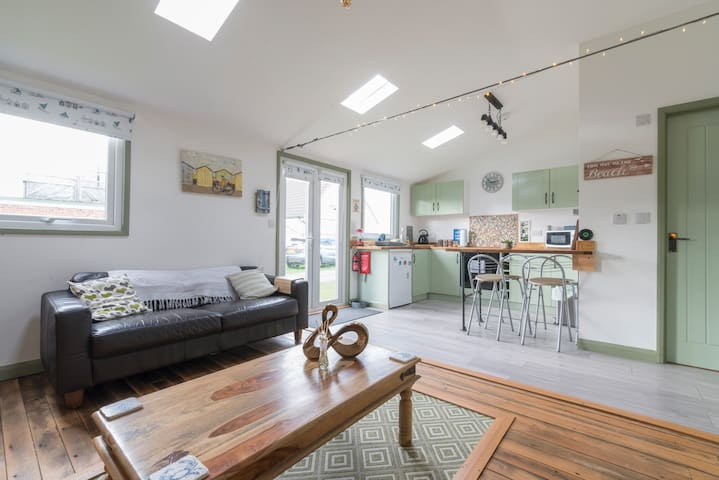 Dog Friendly Modern Lovely Chalet In North Norfolk