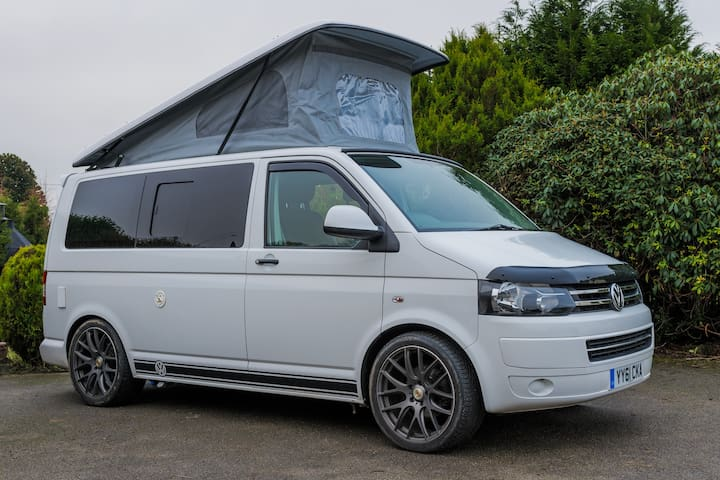 Winnie | Luxury VW Campervan | Pet Friendly