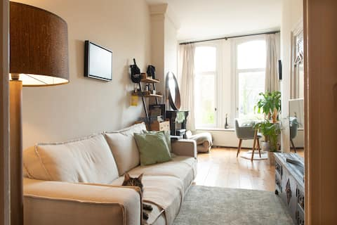 Beautiful canal apartment in Amsterdam East