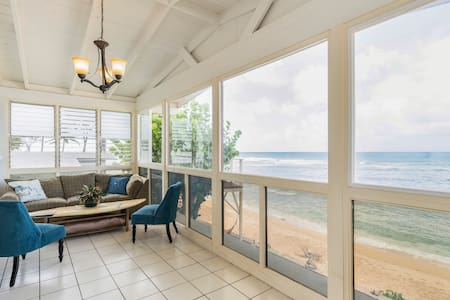 Beachfront 3 Bedroom Flat