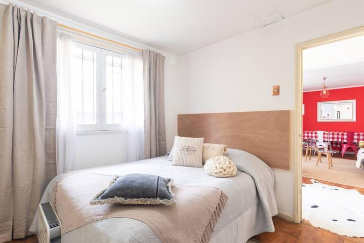 Dormitorio privado (solo mujeres) acogedora casa