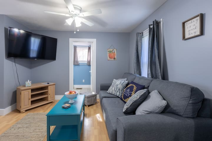 **Cozy Home on 57! - Walkable from Medina Square!!