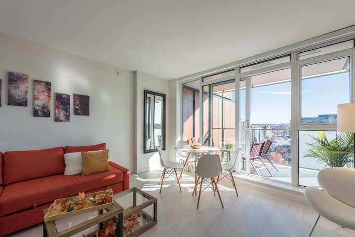 Trendy, New, Modern- W/ AC, a view, patio& parking