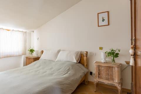 Beautiful apartment with Garda lake view. Wifi