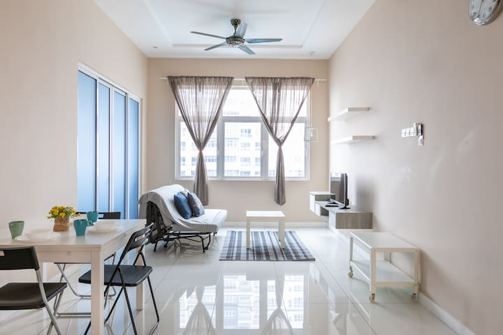 Geranium@cozy home stay at puchong center 1-5 pax