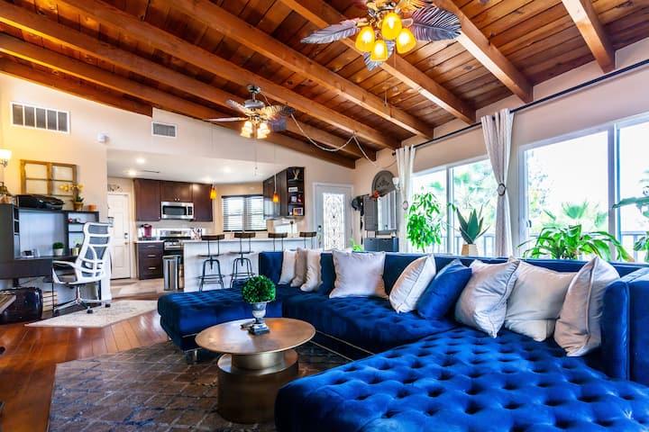 2BR 2BA Convenient Bright Home w/ a splash of Glam