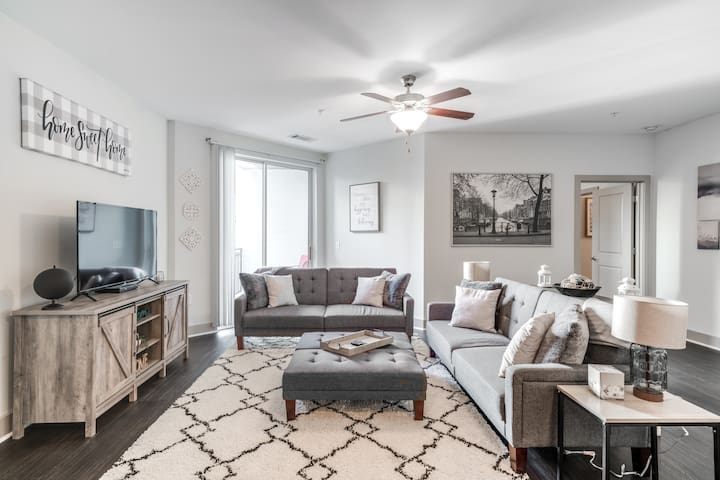 *LONG STAY DISCOUNT*l Midtown l Spacious Apartment