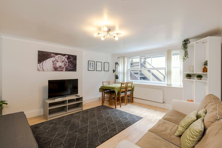 DELIGHTFUL AND CLEAN Central London APT