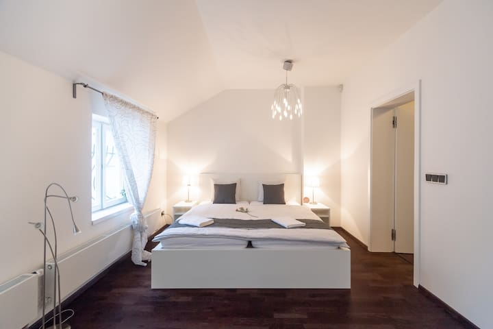 2nd Bedroom with Double Queen Bed