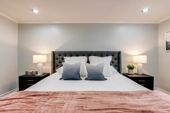 Darling Cottage| KING Bed | Dickies | Clean