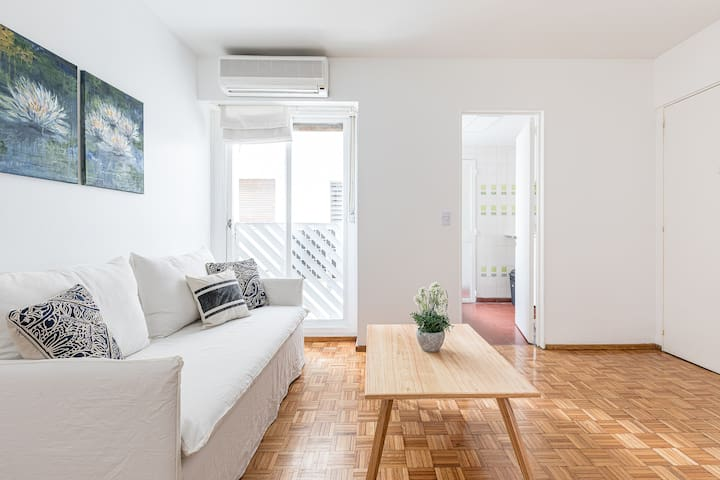 Cozy apartment at the heart of Recoleta.
