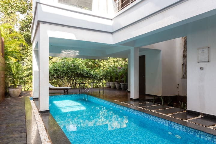 Hanna Dior, 3BR Luxury Villa,pvt Pool @ Siolim,Goa