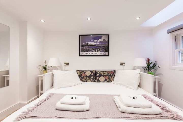 3 bedrooms close to St James' Park Central Heating