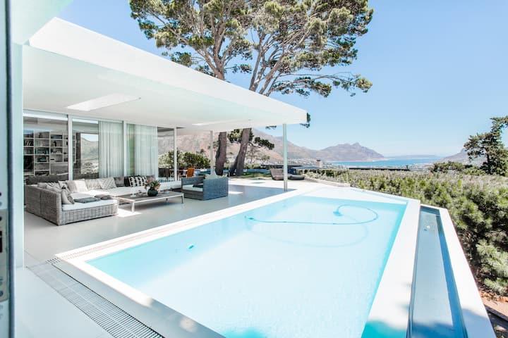5 Star Design Villa - magic views - secure estate