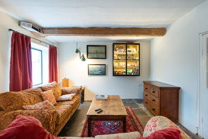 Four bed historic home in Somerset market town