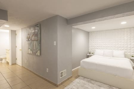 Lower Level Guest Suite with Private Entrance