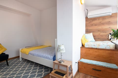 ★Travel & Discover★ Smart Stay Near Metro