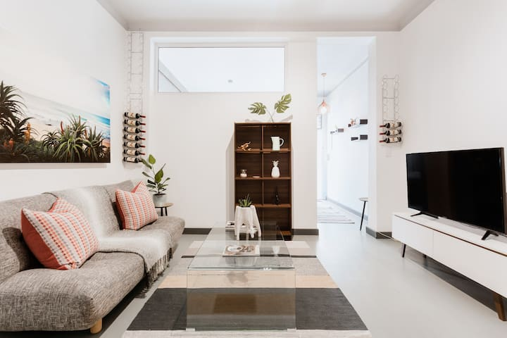 Funky flat in the heart of Sea Point