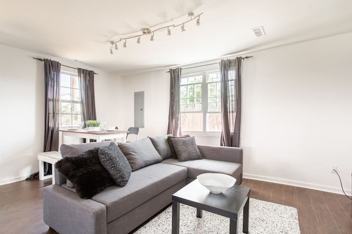 MINUTES FROM DOWNTOWN! Newly Renovated 4Bd 2B