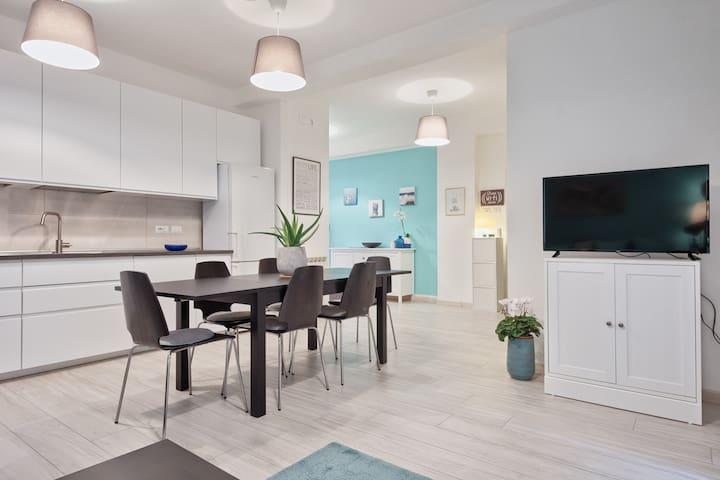 Ampio appartamento tra spiaggia e città