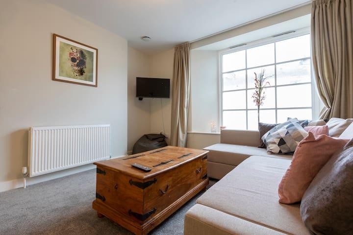 Newton Abbot contemporary ground floor apartment