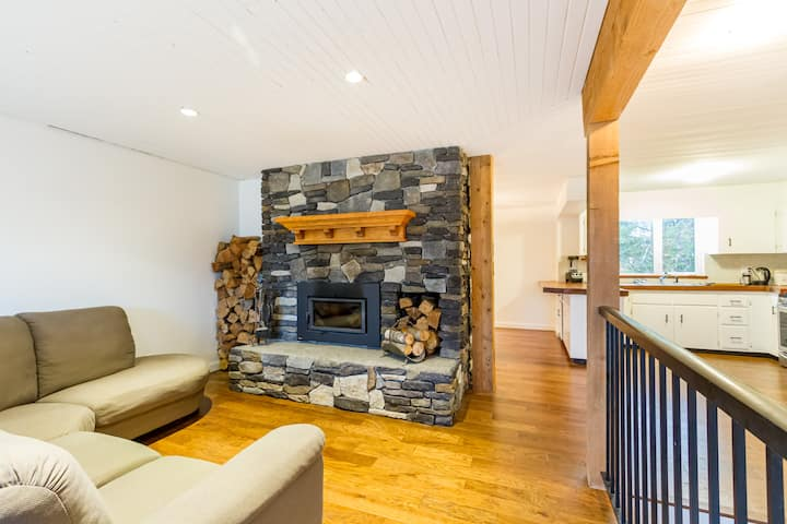 Newly refinished house with luxury amenities