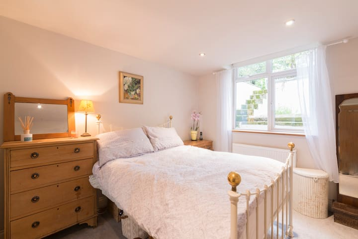 Lovely, Spacious Flat in Unthank Rd