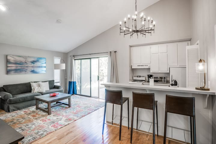 Druid Hills Hideaway - Rear Unit