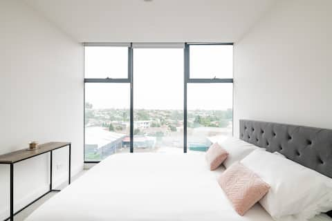 luxury modern, 2 bedroom apartment Essendon