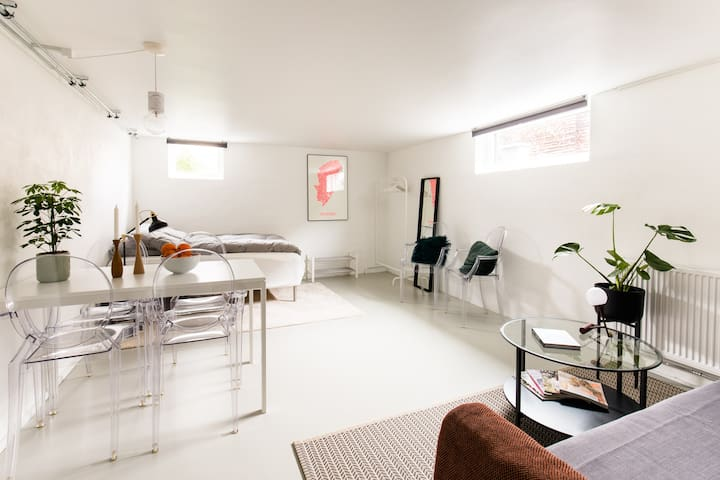 Spacious and cozy room close to CPH city center