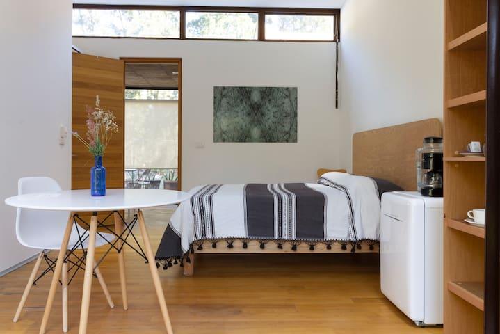 Hermosa habitación con jardín privado, Juriquilla