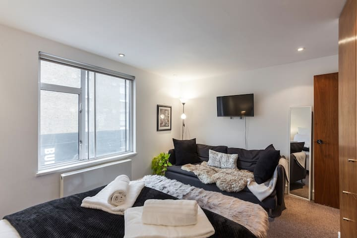 Cozy 3 bed house - King's Cross Station