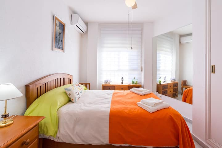 COMFORTABLE AND BRIGHT FLOOR APARMENT