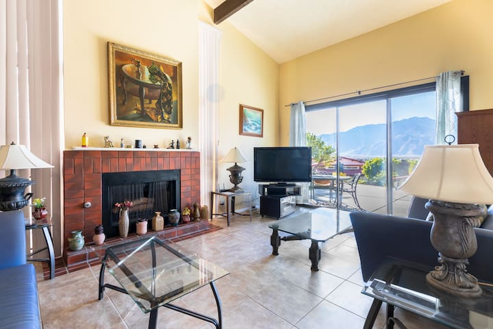 Spacious, private 2 BR/3 Bath near Palm Springs