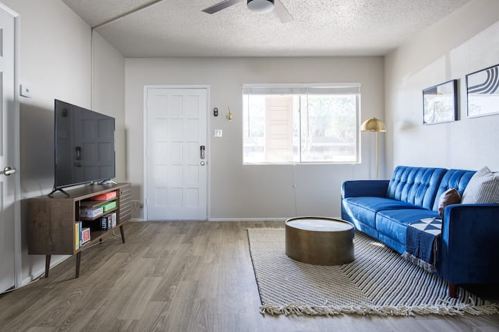 ✅Parking✅W/D✅Full Kitchen✅BBQ✅A/C❤ of Old Town