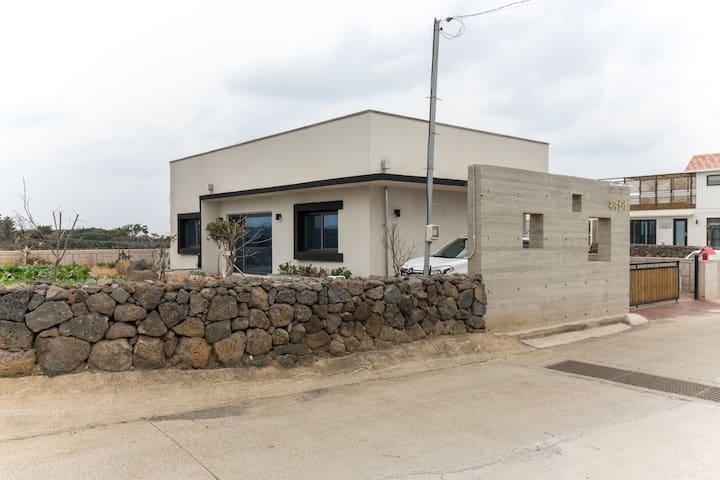 ★[신축건물]가족전원주택(텃밭있음)-곽지 및 한담해변 인근