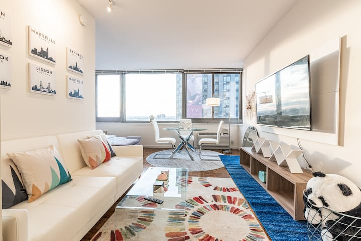 10 Min to Manhattan Amazing Comf APT Morden Design