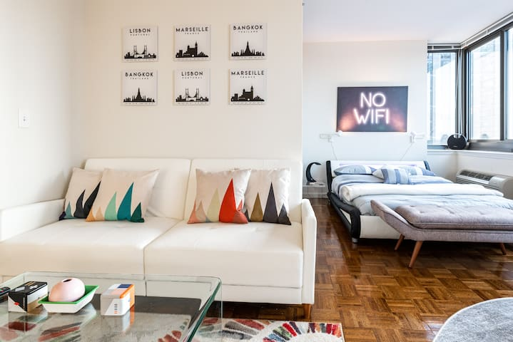 10 Min to Manhattan Modern Apartment