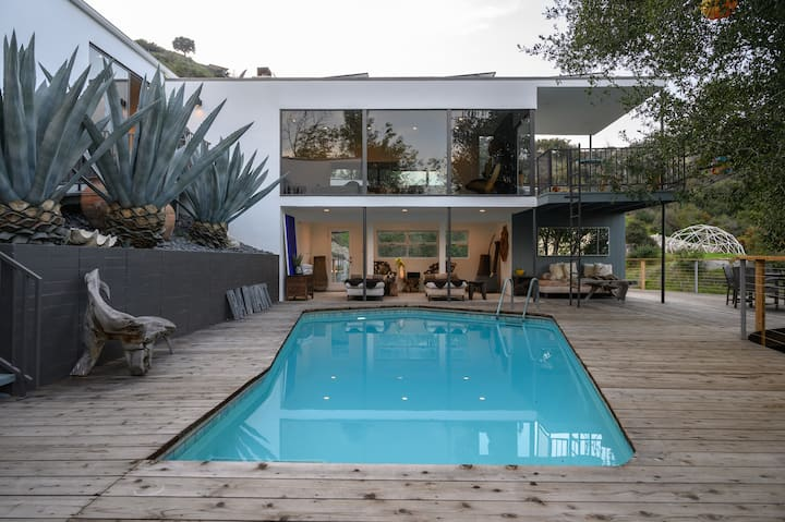 Pasadena Mid-Century Modern Treehouse