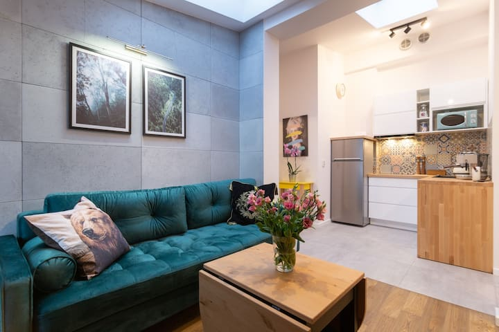Brand-new Penthouse Wolnica Square, Great Location