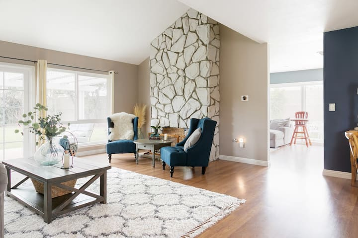 Beautiful Family Friendly Home by Disneyland