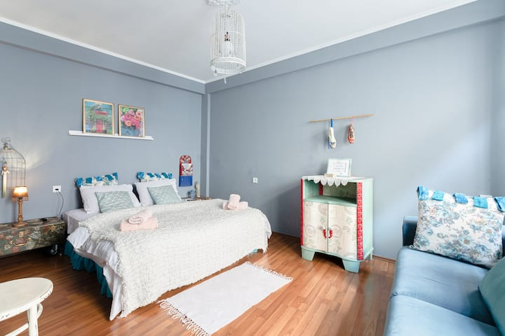"""The Place """"Duplex with a vintage finish"""""""